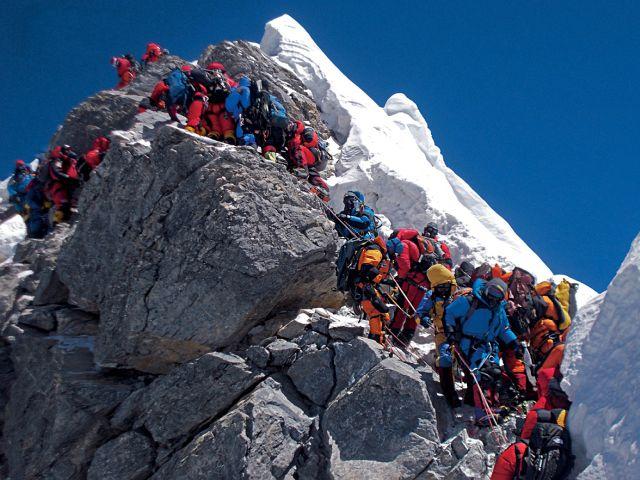 Как покорили Эверест - горный лагерь
